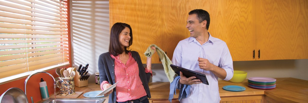 Office365 HPKappaBG 0128 1600x540 EN US 1024x345 Ivre, il nargue sa femme en utilisant sa tablette Surface alors quelle fait la vaisselle